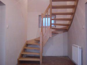Dřevěné schodiště s volnou podstupnicí