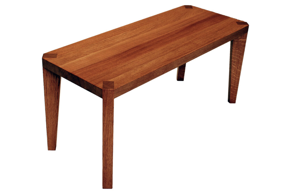 konferencni stolek dub s dubovym a drevenym podnozim