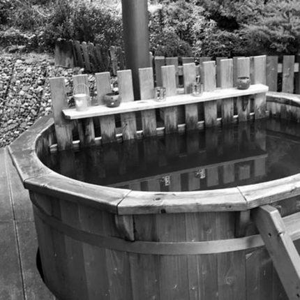 Dřevěný koupací sud